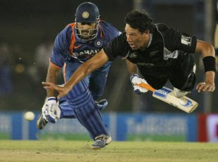 Dhoni run out