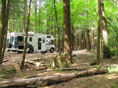 Camping i motorhome i Alice Lake Provincial Park, British Columbia, Canada