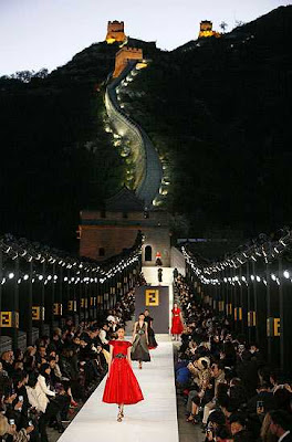 fendi fashion show great wall of china runway models