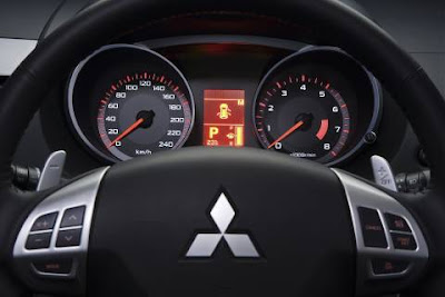 Mitsubishi outlander gls interior dashboard display information