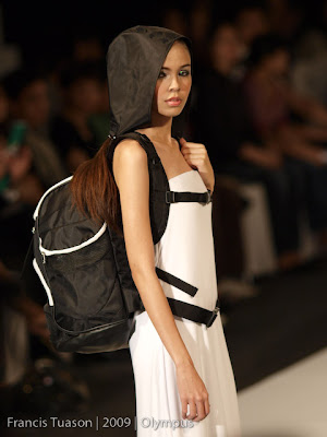 models yako reyes bag designer philippine fashion week solaris collection SMX holiday