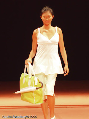 yako reyes bag philippine fashion week spring summer 2010 baggetsyako reyes bag philippine fashion week spring summer 2010 baggets
