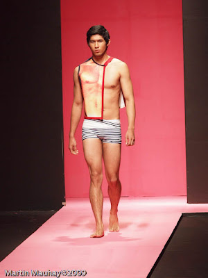 Herbert Custodio Philippine Fashion Week Spring Summer 2010 Luxewear