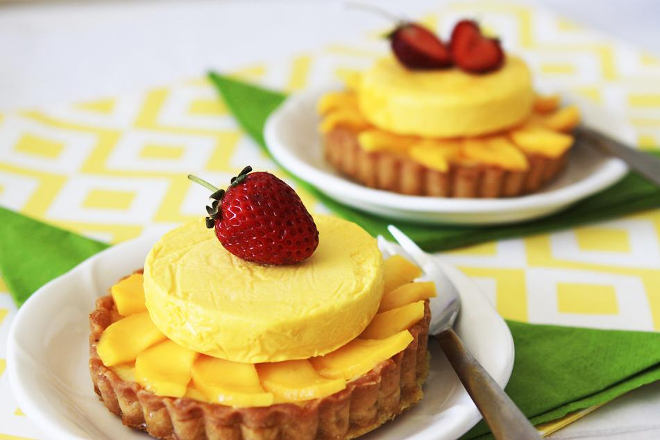 I love the yellow color of this tart It reminds me of sunny warm summer day