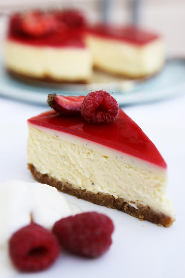 Gourmet Baking: Vanilla Bean Cheesecake with Jellied Cream, Raspberry ...