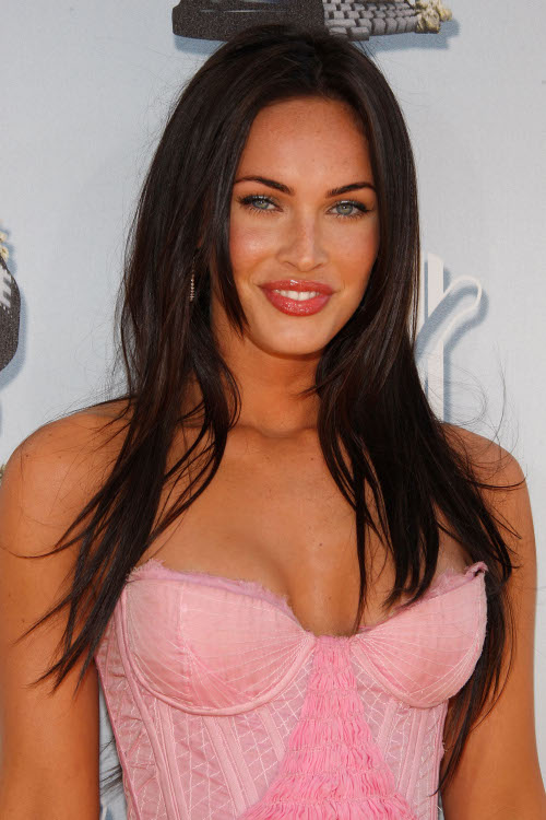 megan fox haircut 2011. Foxy lady Megan didn#39;t brew