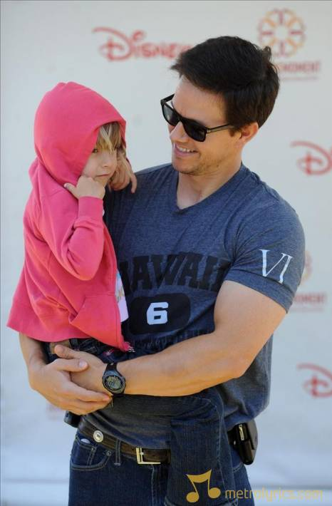 Mark wahlberg star of the fighter joked that his daughter was