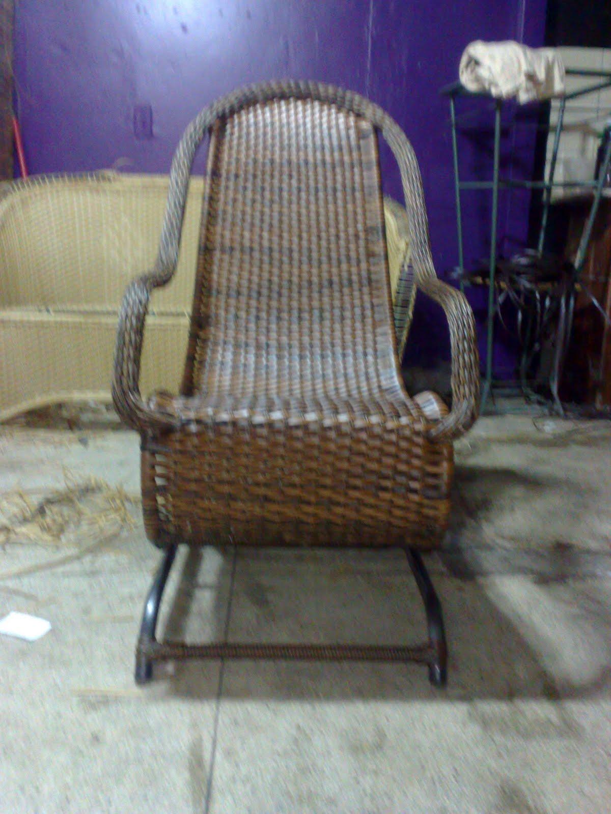 Empório Arte em Fibra: Cadeira de Balanço #3B2B6B 1200x1600