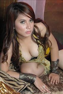 artis indonesia telanjang 2