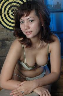 artis indonesia telanjang 4