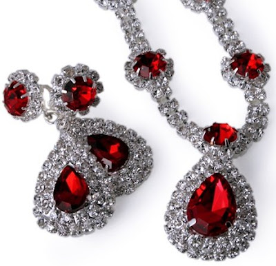 Red Royalty Necklace Set