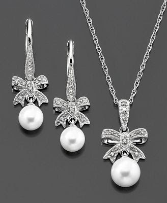 Cultured Freshwater Pearl and Diamond Accent Bow
