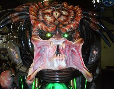 http://2.bp.blogspot.com/_XdP6Lp2ceqY/SyBxvQz6BsI/AAAAAAAAEm8/NkmsrVFpzZk/s400/predator2.jpg
