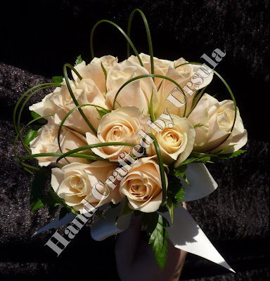 Cream Roses With Spear Grass Bouquet - Throw away