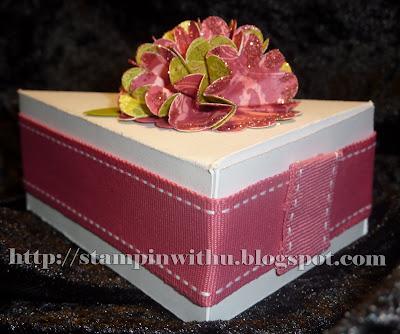 Gorgeous Cake Slice Bonbonniere