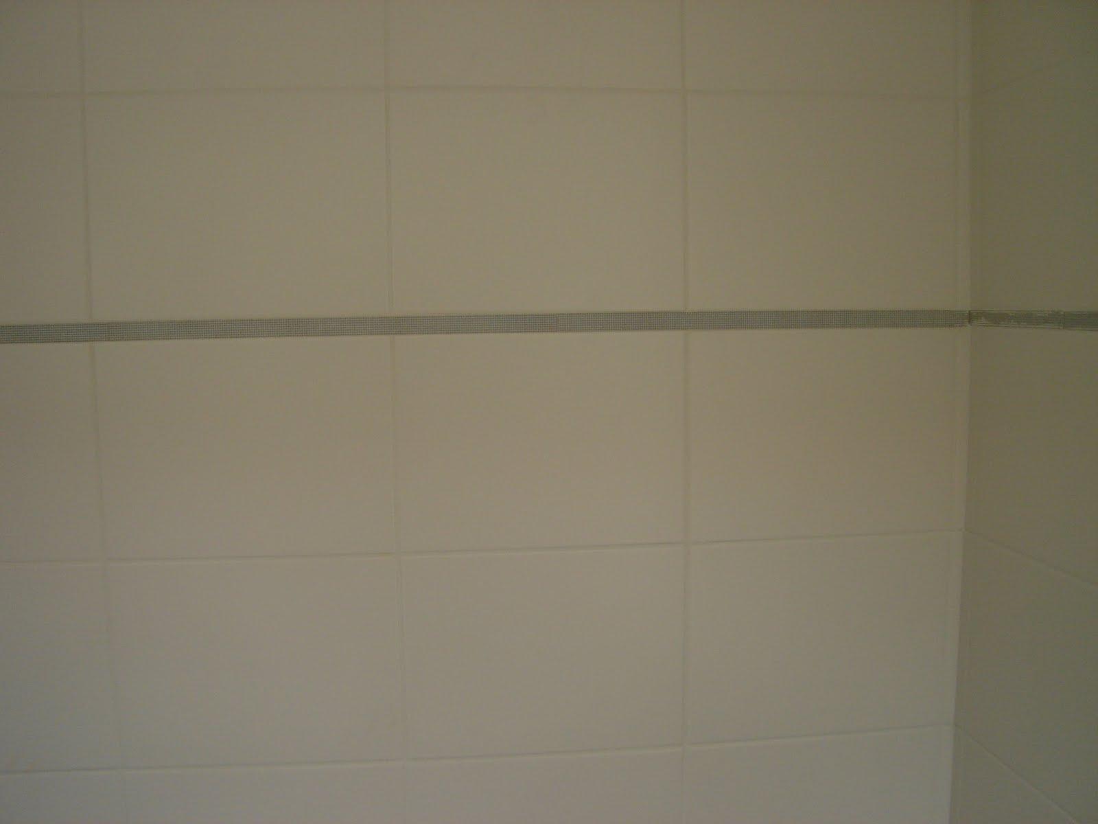 Foto do rejunte da área de serviço (tirada esta semana). O rejunte  #56523C 1600x1200 Banheiro Branco Com Rejunte Bege
