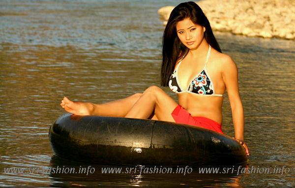 http://2.bp.blogspot.com/_XjJ92Zgtt4Y/SwrI3jZbJjI/AAAAAAAAX4E/z6oT20V8HZ0/s1600/sara_2.JPG