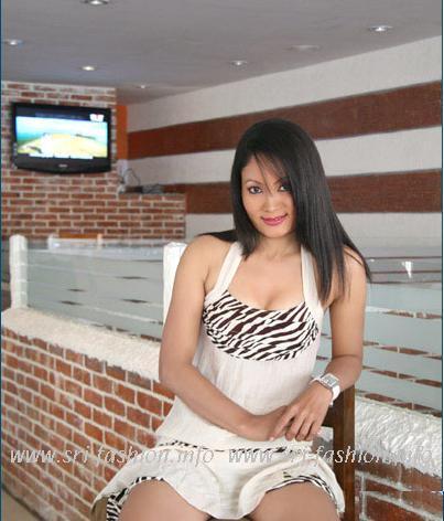 http://2.bp.blogspot.com/_XjJ92Zgtt4Y/SwrIrxRul5I/AAAAAAAAX3U/O-TSoxkaQ5E/s1600/pramila_5.JPG