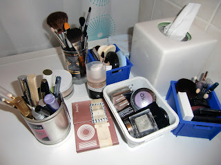 make-up (onemorehandbag)