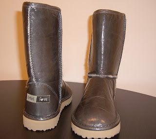makes slim feet (onemorehandbag)
