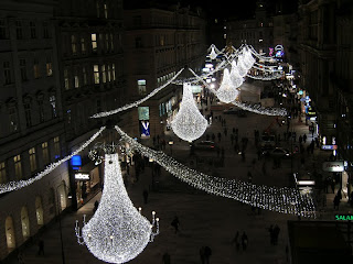 Christmas decorations on Graben (onemorehandbag)