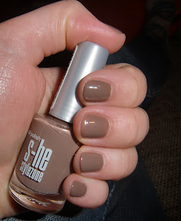 she nail polish in 500 (onemorehandbag)