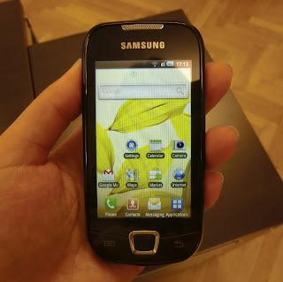 Samsung Galaxy 3 (onemorehandbag)