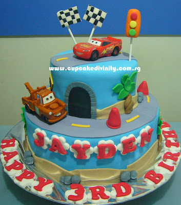 Cupcake Divinity 2 Tier Lightning Mcqueen theme Fondant cake