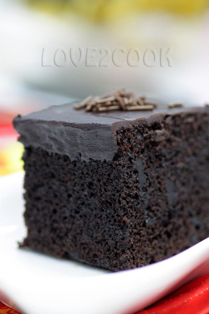 Best eggless dark chocolate cake recipe