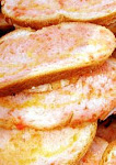Pan con tomate... un poquito de sal y un chorreón de aceite... ummm
