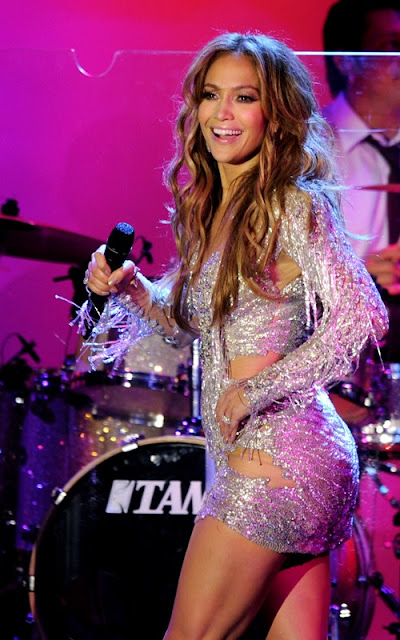 Jennifer Lopez Hot on Stage