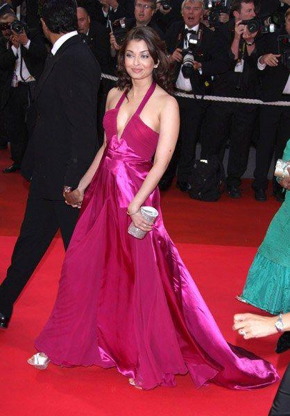 wallpapers: Aishwarya Rai Bachchan at Cannes Festival