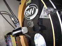 Posição 1 - posicionando microfone no bumbo - foto 2