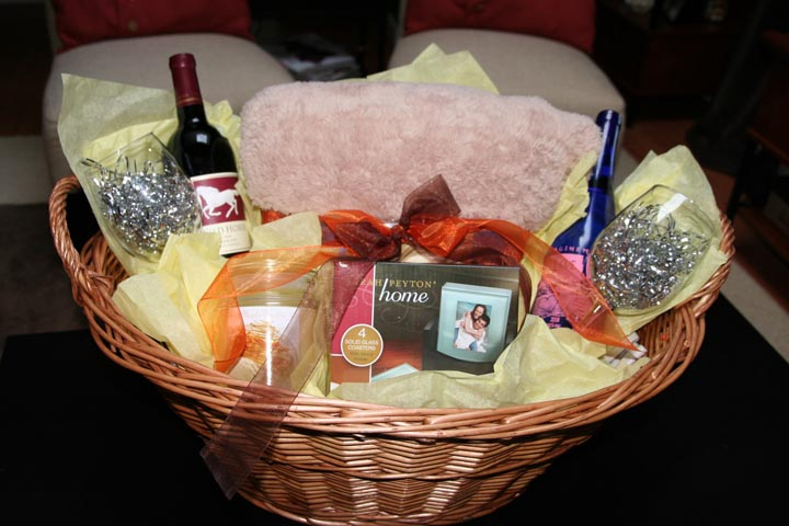 Wedding Themed Gift Basket : Sohl Design: How to Assemble a House Warming/Wedding Gift Basket