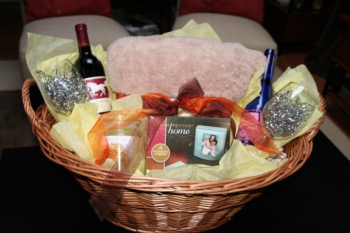 Create A Wedding Gift Basket : Sohl Design: How to Assemble a House Warming/Wedding Gift Basket