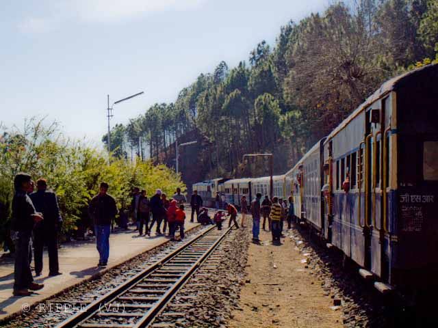 Long Wait time of Shimla-Kalka Toy Train gives enough time to appriciate the beauty of Himachal Pradesh: Posted by VJ on PHOTO JOURNEY @ www.travellingcamera.com : VJ, ripple, Vijay Kumar Sharma, ripple4photography, Frozen Moments, photographs, Photography, ripple (VJ), VJ, Ripple (VJ) Photography, VJ-Photography, Capture Present for Future, Freeze Present for Future, ripple (VJ) Photographs , VJ Photographs, Ripple (VJ) Photography : Kathleeghat.... The First stoppage on the way to Kalka...