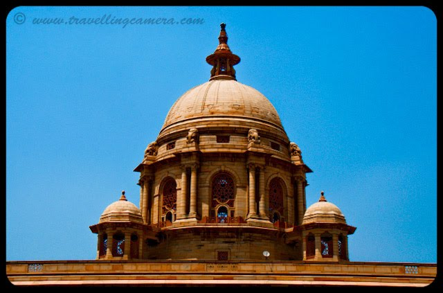 Indian President's House @ Delhi: Rashtrapati Bhavan is the official residence of the President of India, located in New Delhi, Delhi, India. Until 1950 it was known as Viceroy's House and served as the residence of the Viceroy of India. It is at the heart of an area known as Lutyens' Delhi. It is the largest residence of any Head of the State in the world.VJ, ripple, Vijay Kumar Sharma, ripple4photography, Frozen Moments, photographs, Photography, ripple (VJ), VJ, Ripple (VJ) Photography, VJ-Photography, Capture Present for Future, Freeze Present for Future, ripple (VJ) Photographs , VJ Photographs, Ripple (VJ) : President, India, Architecture, Delhi, Colorful, Journey, Main Tourist Places,: The ancillary dome-like structure on top of the building is known as a CHUTTRI, an integral part of Indian architectural design.  The dome in the middle involved a mixture of Indian and British styles. In the center was a tall copper dome surmounted on top of a drum, which stands out from the rest of the building, due to its height. The dome is exactly in the middle of the diagonals between the four corners of the building. The dome is more than twice the height of the rest of the building.
