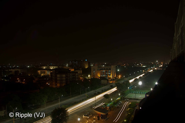 Posted by Ripple (VJ): Long road in Night, Noida