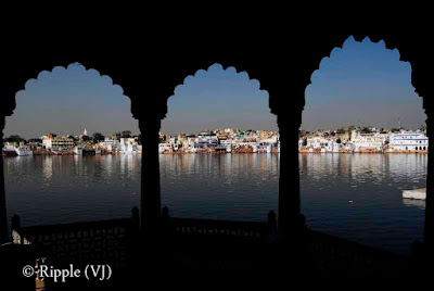 Posted by Ripple(VJ) : Glimpses of Pushkar-Ghats around Puhkar-Lake during Camel Fair-2008 (Pushkar Lake is actually surrounded by different Ghats/Temples... ):: View of different ghats from Jaipur-Ghat...