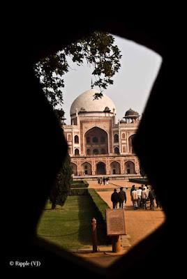 Posted by Ripple (VJ) : Humayun's Tomb, Delhi : Again Humayun's Tomb through Jaali...