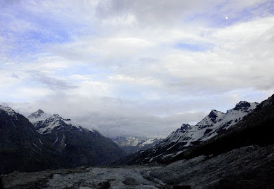 Posted by Ripple (VJ) : Road from Manali to Keylong,Udaypur,Trilokinath in Lahaul Spiti, Himachal Pradesh : Manali to Marhi to Rohtang to Gramphu to Sissu to Tandi to Keylong to Udaypur to Trilokinath: ripple, Vijay Kumar Sharma, ripple4photography, Frozen Moments, photographs, Photography, ripple (VJ), VJ, Ripple (VJ) Photography, Capture Present for Future, Freeze Present for Future, ripple (VJ) Photographs , VJ Photographs, Ripple (VJ) Photography : Again this is a road where you see water flowing downwards due to melting snow on hills...