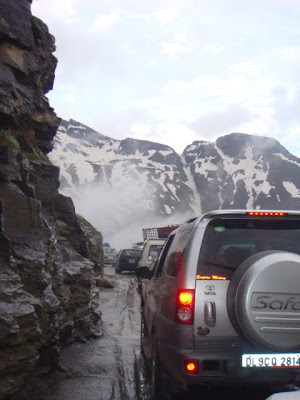 Posted by Ripple (VJ) : Road from Manali to Keylong,Udaypur,Trilokinath in Lahaul Spiti, Himachal Pradesh : Manali to Marhi to Rohtang to Gramphu to Sissu to Tandi to Keylong to Udaypur to Trilokinath: ripple, Vijay Kumar Sharma, ripple4photography, Frozen Moments, photographs, Photography, ripple (VJ), VJ, Ripple (VJ) Photography, Capture Present for Future, Freeze Present for Future, ripple (VJ) Photographs , VJ Photographs, Ripple (VJ) Photography : Its really amazing when you cross Rohtang pass as you cross through hills covered with snow...