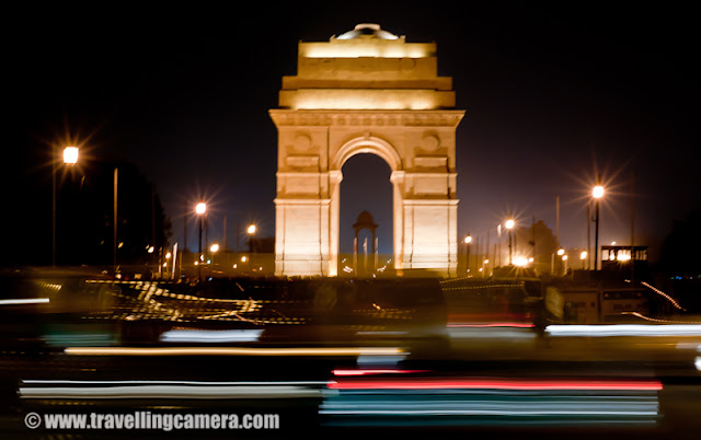 India Gate - Alive at Night : Apart from the nigh clubs and pubs, there is another place in Delhi that comes alive at night. It is right at the heart of the city, India Gate. However, unlike pubs and clubs, most people are there to spend time with their families. The whole area is vibrant with Children, Newlyweds, joint families and amongst them all, hawkers to sell some of the Delhi's famed streetside food. You can also see dotted here and there some policemen to ensure nothing shady happens in the bushes. : India Gate is majestic and is surrounded by some of the most interesting buildings of Delhi. The whole area is under 24 hour security cover as it should be considering the President's house is just a few metres away. You don't expect such an area to be the party hub for middle-class Delhi Families. But it is!The monument itself stands in memory of the brave soldiers who died fighting  in World War I and the Third Anglo-Afghan War. If you look closely at the walls of the monument, you will see the names f all of the soldiers who lost their lives. And beneath the canopy an eternal flame known as the