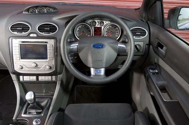 2010 Ford Focus RS - interior design view