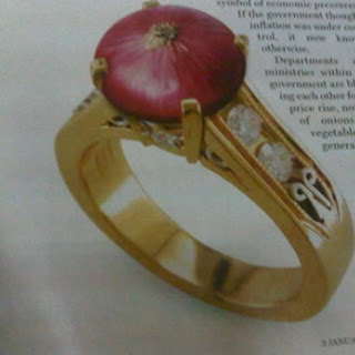Latest engagement Ring : Onion