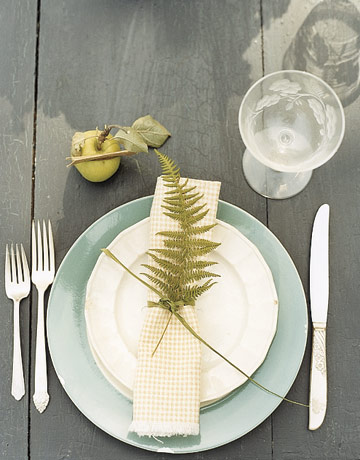 Sense and Simplicity: 6 Must-Have Sets of Dishes