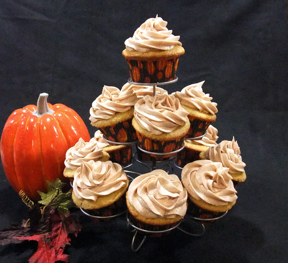Aunt Peg's Recipe Box: Pumpkin Spice Butter Cream Frosting ...
