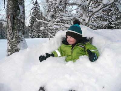 mycket snö men ingen ficklampa