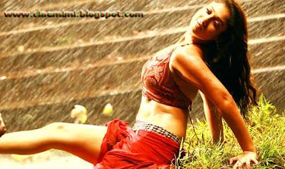 Nayanthara Aathavan New stills