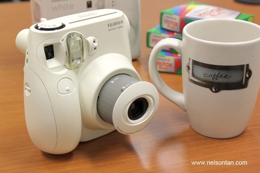 yummy coco snap fujifilm instax mini 7s all white choco. Black Bedroom Furniture Sets. Home Design Ideas